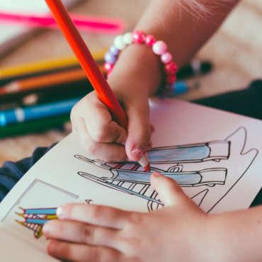 Dlaczego warto zachęcać dzieci domalowania?